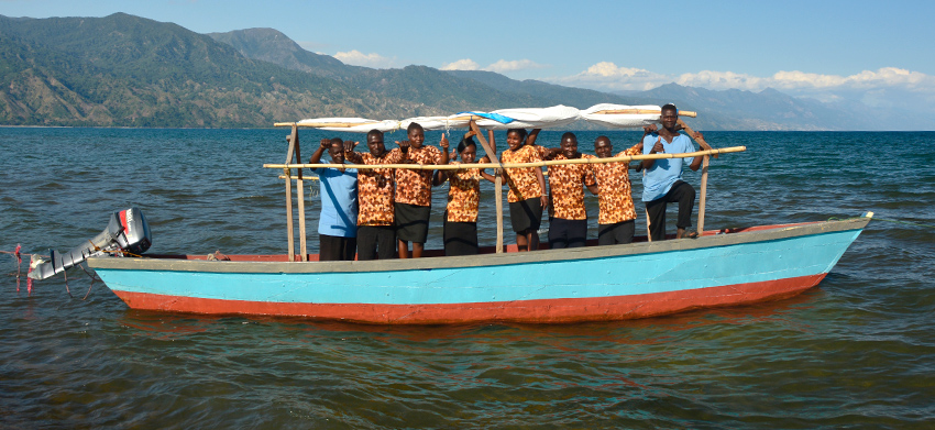 03 Blue Canoe, Lake Nyasa