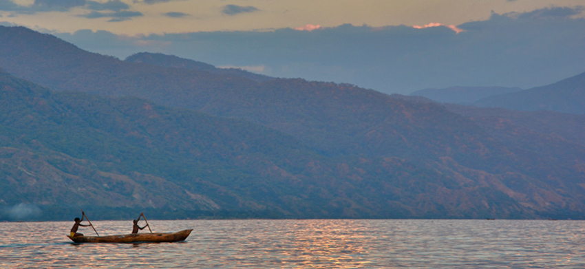 Experience the Mystery of Lake Nyasa/Lake Malawi in Blue ...